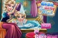 Il bebè di Elsa al bagno